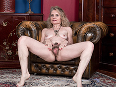 WeareHairy Isabella Diana Isabella Diana strips naked on her armchair  [FULL PICSET Highres WEBRIP] PORN RIP