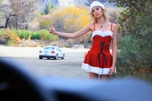 MOFOS - Haley the Horny Christmas Hitchhiker  MOFO NETWORK SITERIP 720p mp4 PORN RIP