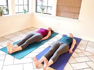 YourVoyeurVideos  Yoga pants have nice cameltoes. PaysiteRip VoyeurXXX PORN RIP