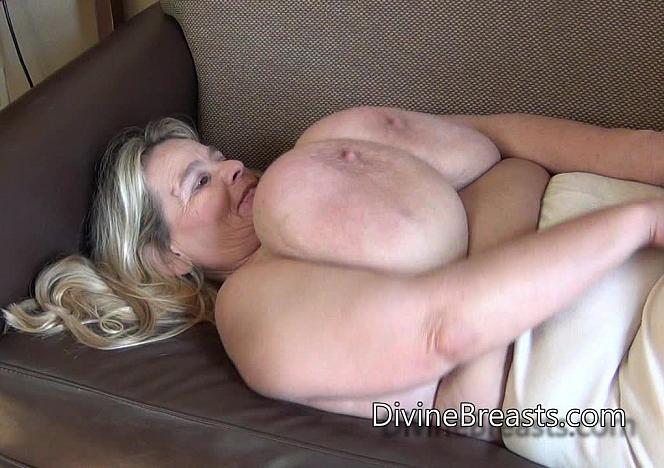 DivineBreasts Sarah Waves of Breast Jiggling  SITERIP BBW.XXX Divinebreasts PORN RIP