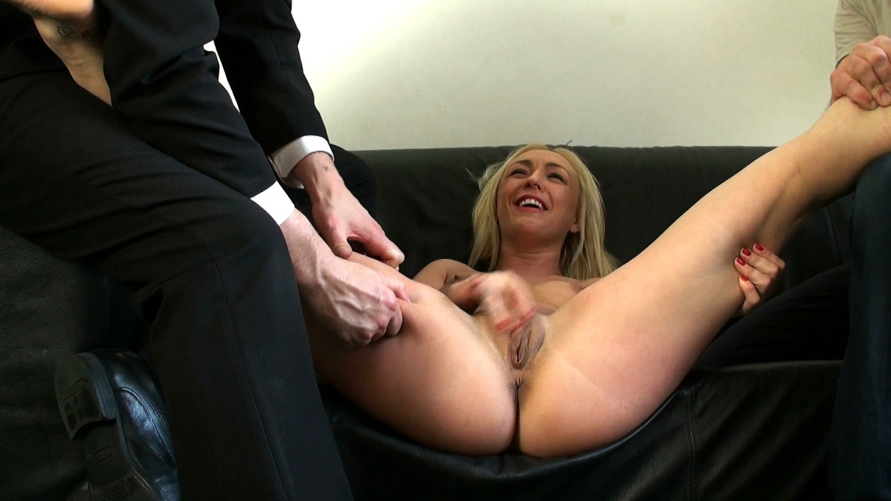 Pascals Subsluts Amber: fetish for being squeezed & pinched  Video H.264 PORN RIP