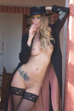Girlfolio Smoking Hot in Portugal  IMAGESET RIP PORN RIP