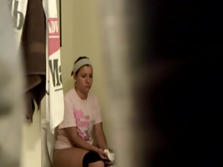 YourVoyeurVideos  Teen caught by hidden cam taking a pee PaysiteRip VoyeurXXX PORN RIP
