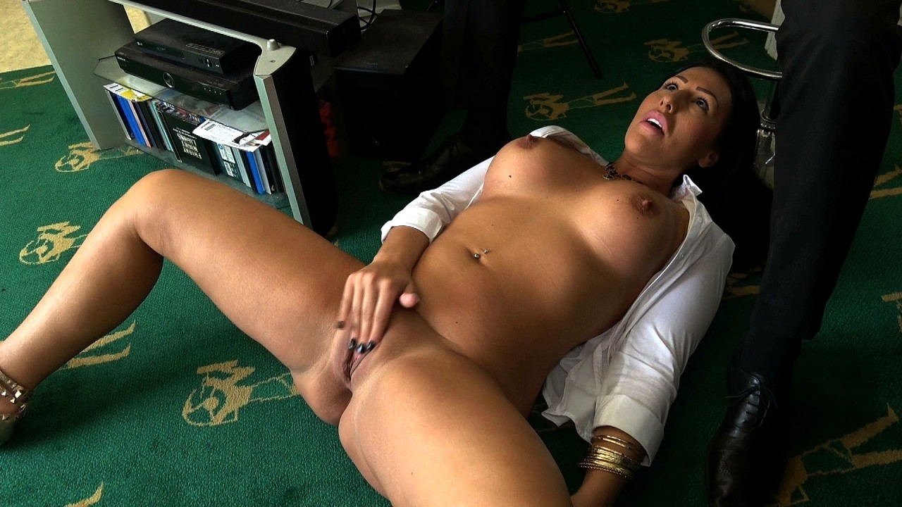Pascals Subsluts Candi: down where she belongs  Video H.264 PORN RIP