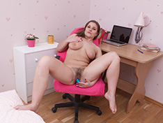 WeareHairy Bella Moore Bella Moore masturbates at the office with a toy  [FULL PICSET Highres WEBRIP] WEB-DL