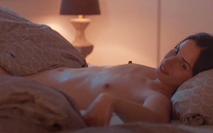 MrSkin Heida Reed Has a Hot Lesbian Scene in Stella Blo mkvist  Siterip Videoclip PORN RIP