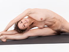 WeareHairy Simona Simona does some naked yoga for all to enjoy  [FULL PICSET Highres WEBRIP] WEB-DL
