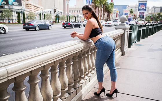 MomPov Apple bottom big booty beauty Apr [SITERIP XXX ] WEB-DL